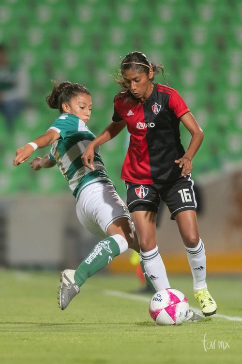 Brenda Guevara 7, Mitzi Martínez 16