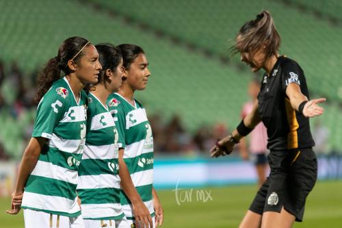 Nancy Quiñones, instrucciones árbitro
