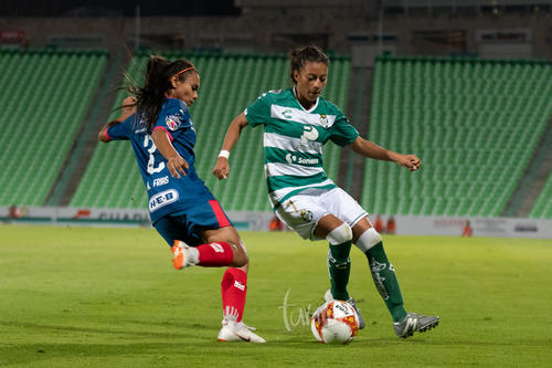 Alexia Vianey Frías Sánchez (Monterrey), Brenda Guevara