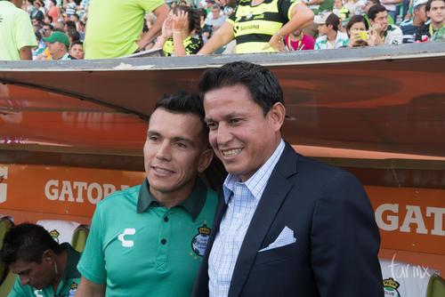 Chato Rodríguez, Chava Reyes