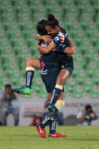 Celebrtación de gol, Daniela Espinosa, Marcela Valera