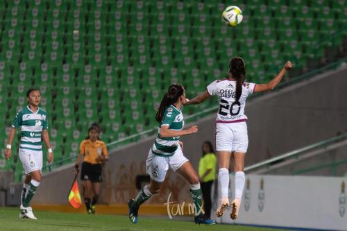 Karla Martínez, Perla Navarrete