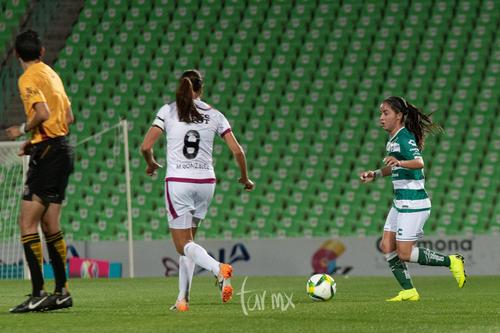 Michelle González, Daniela Delgado,
