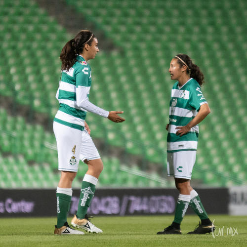 Melissa Sosa 4, Nancy Quiñones 11