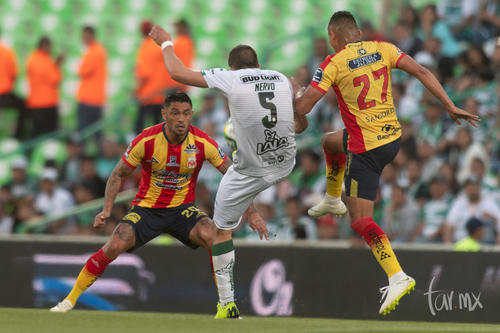 Rodrigo Millar 20, Martín Nervo 5, Miguel Sansores 27