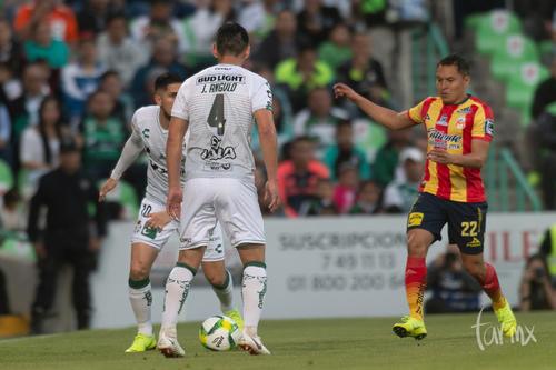 Diego Valdés, Jesús Angulo, Alberto Acosta