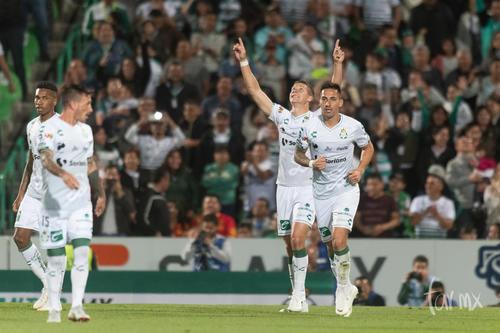 Festejo del gol de Julio Furch