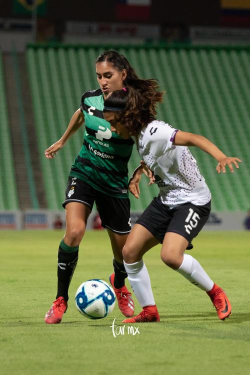 Karla Martínez, Julieta Peralta