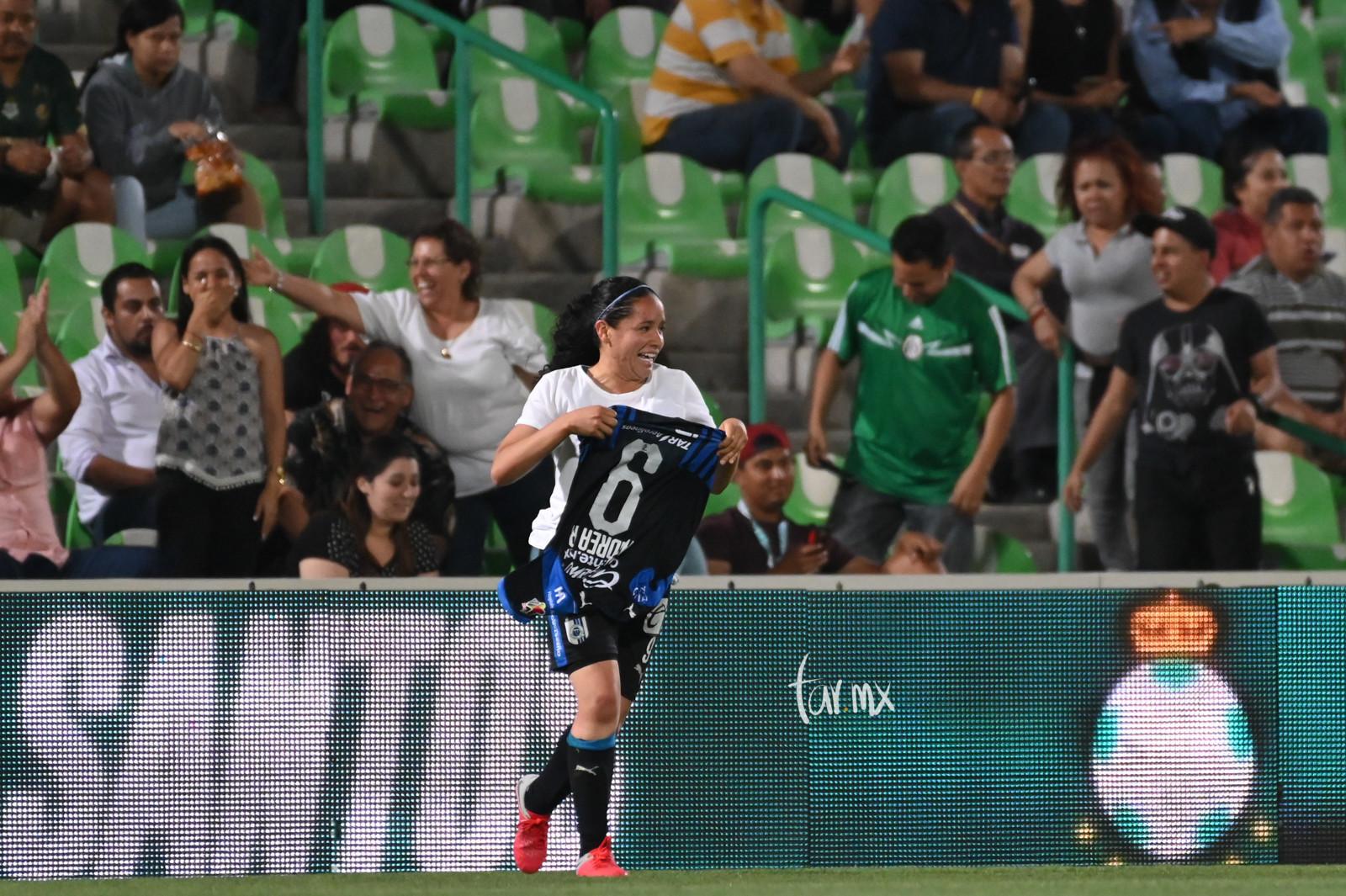 Festejo de gol, Andrea Guadalupe Romero 9
