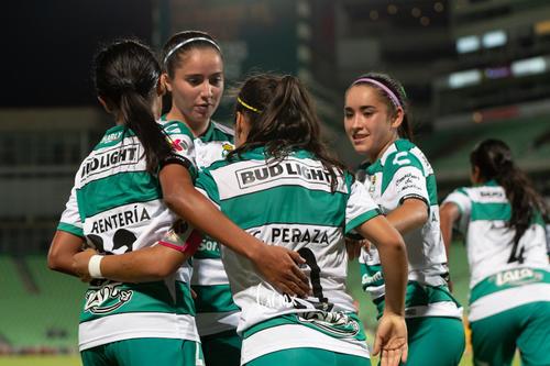 celebración gol, Cinthya Peraza, Daniela Delgado, Ashly Mart