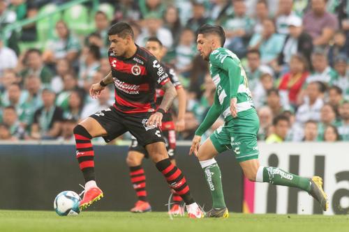 Bou, Valdés