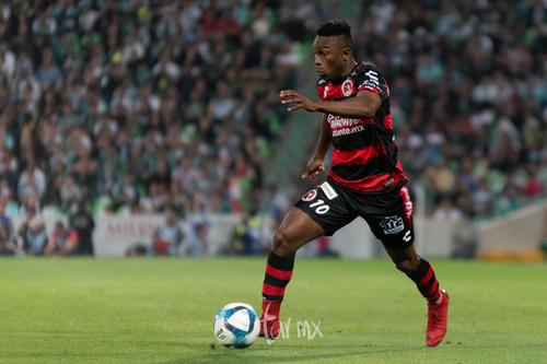 Fabian Castillo 10