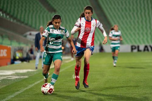 Tania Morales, Marianne Martínez