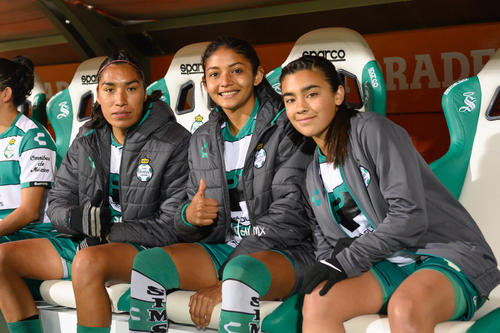 Isela Ojeda, Marianne Martínez, Isela Osorio